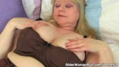 English granny Amanda Degas fucks her old pussy with a dildo