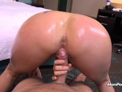 Milf Naomi takes a big dick and gets a big facial
