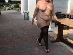 German Mature Lady Naked Big Ass in Stokings