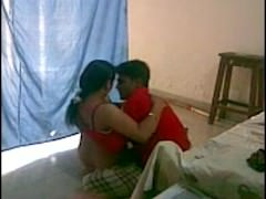 INDIAN – Bhabi having a quickie with devar