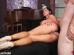 Nikki Benz gets a hard anal reaming