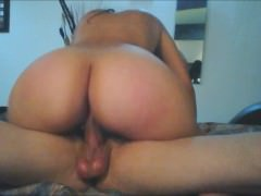 Big amateur college bounce her ass on a hard dick