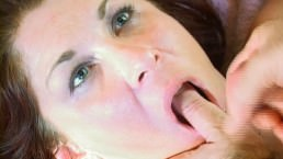 Sexy Curvy MILF gets her Ass Fucked and Her Eyes Filled with Cum!